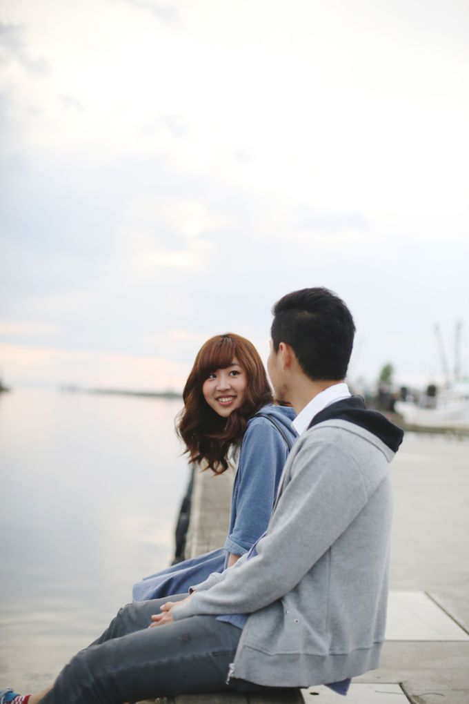 Engagement shoot at Steveston Richmond by Rebecca Ou Photography - 018