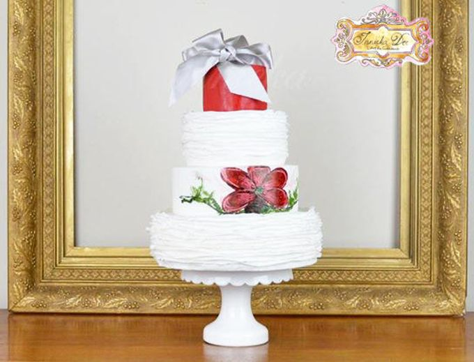 Wedding Cakes by Innicka Dee Cakes - 023