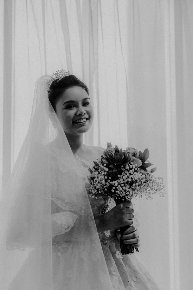 Nicole & Daniel Wedding at Menara Imperium by AKSA Creative - 016