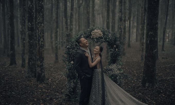 PRE - WEDDING EDWIN & YOMEDIKA BY RIO YAPARI by All Seasons Photo - 018