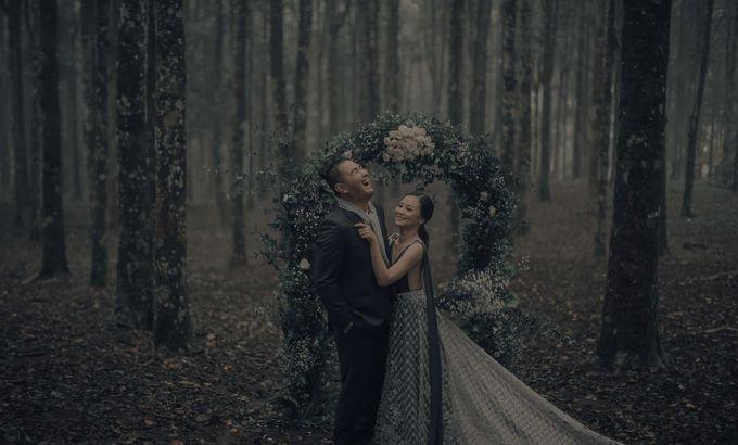 PRE - WEDDING EDWIN & YOMEDIKA BY RIO YAPARI by All Seasons Photo - 002