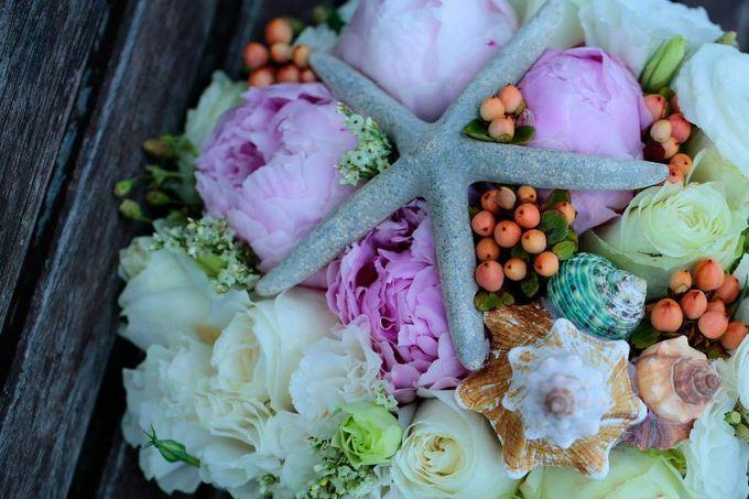 Beach Wedding by Marga Florist - 002