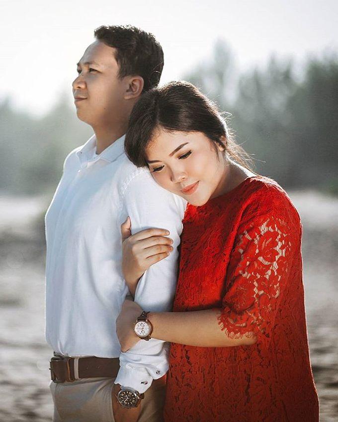 Fauzan & Engkit - Sweet Prewedding at Yogyakarta by TranslaticLab - 001