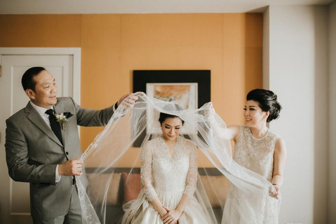 Viona & Ivan Wedding at Grand Hyatt Jakarta by ILUMINEN - 015