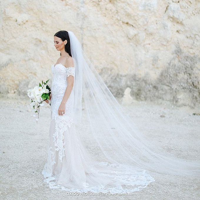 Truly Timeless White Wedding by WiB flowers - 004