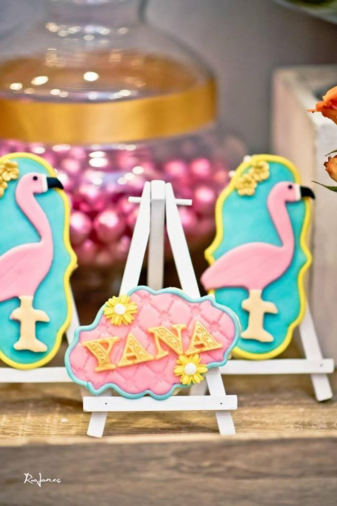 Tropical Flamingo Set up buffet corner by Sweet Nest Events - 005
