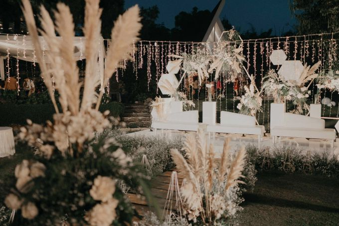 Theo & Hanna  Wedding Decoration by By Laurentialili - 040