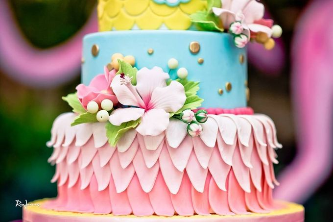 Tropical Flamingo Set up buffet corner by Sweet Nest Events - 001