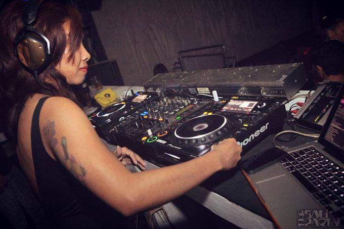 Female DJ Performance by Bali Concierge Services - 008