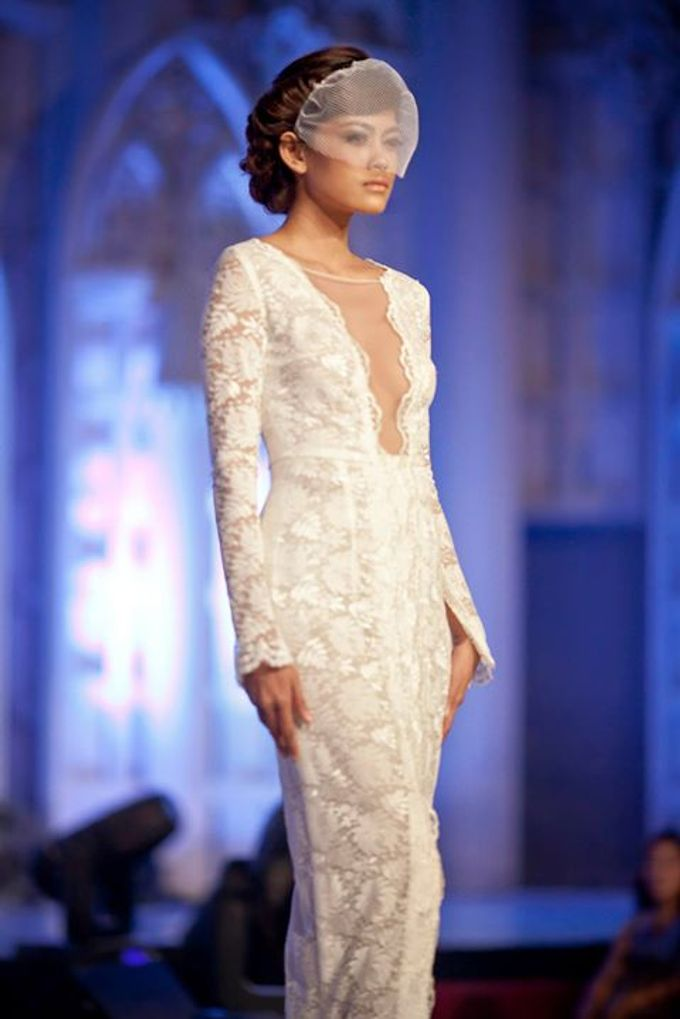 Catalyst from FLESH TO DUST Bridal Spring Summer 2015 - Runway Photo by Bramanta Wijaya Sposa - 001