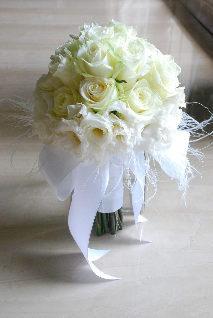 Wedding Bouquet by Hana Flower Boutique by Hana Flower Boutique - 001