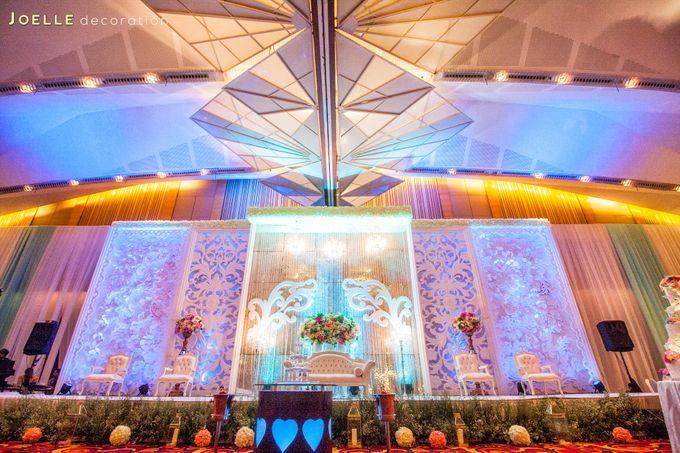 Minimalist vintage blue wedding by joelle decoration bridestory add to board minimalist vintage blue wedding by joelle decoration 001 junglespirit Image collections