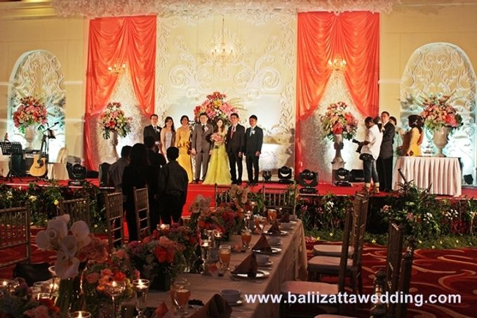 Bali indoor wedding decoration by bali izatta wedding planner add to board bali indoor wedding decoration by bali izatta wedding planner wedding florist decorator 001 junglespirit Images