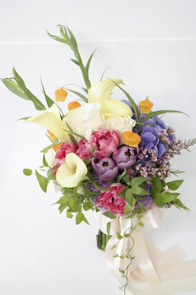 Wedding Bouquet by Hana Flower Boutique by Hana Flower Boutique - 006
