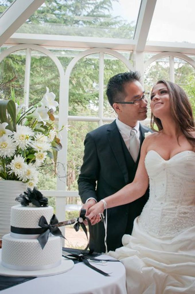Dandenong Mountains Wedding by Innicka Dee Cakes - 001