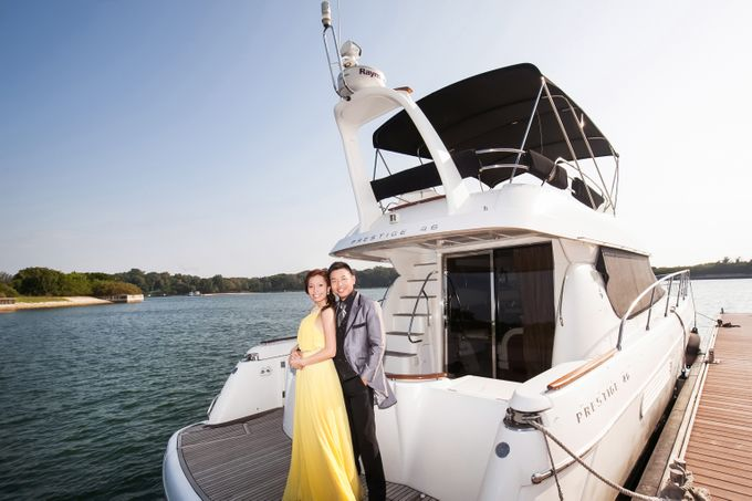 Pre-wedding shoot on yacht by ONE°15 Marina Sentosa Cove, Singapore - 012
