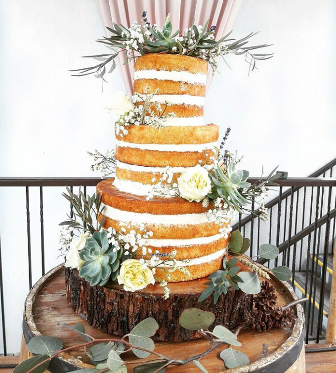 WEDDING CAKE featuring LUX  FLORAL by Sucré Pâtissier and Chocolatier - 001