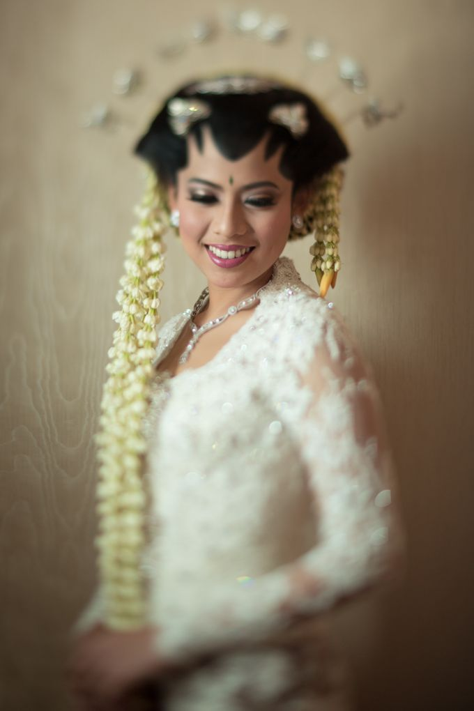 Cynthia & Raditya Wedding by Diera Bachir Photography - 003