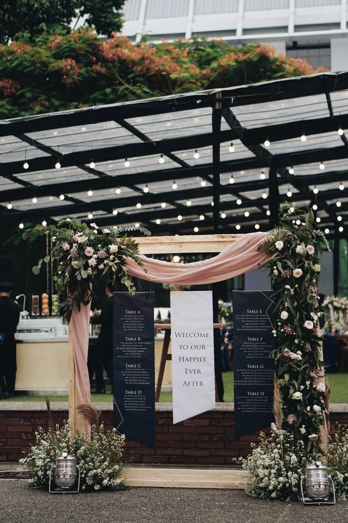 Rustic Wedding Under Clear Tent For Andy Winny By Elior Design