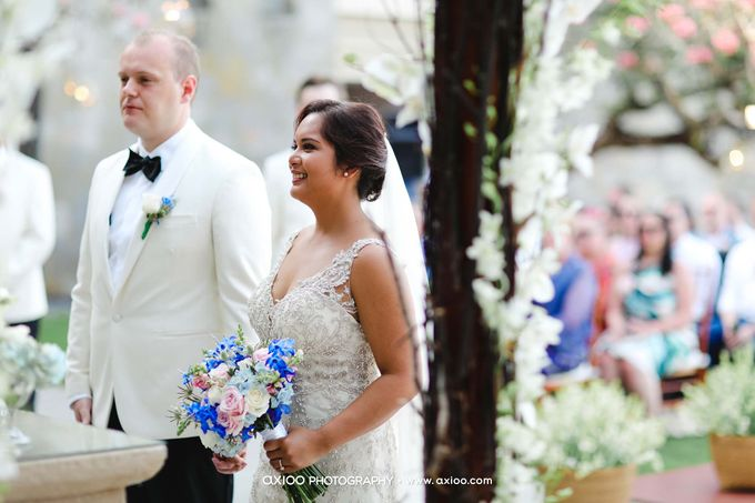 A classic Garden Wedding at Luminious Courtyard Amanusa by Yeanne and Team - 008