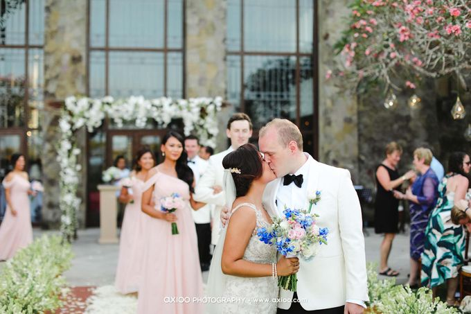 A classic Garden Wedding at Luminious Courtyard Amanusa by Yeanne and Team - 009