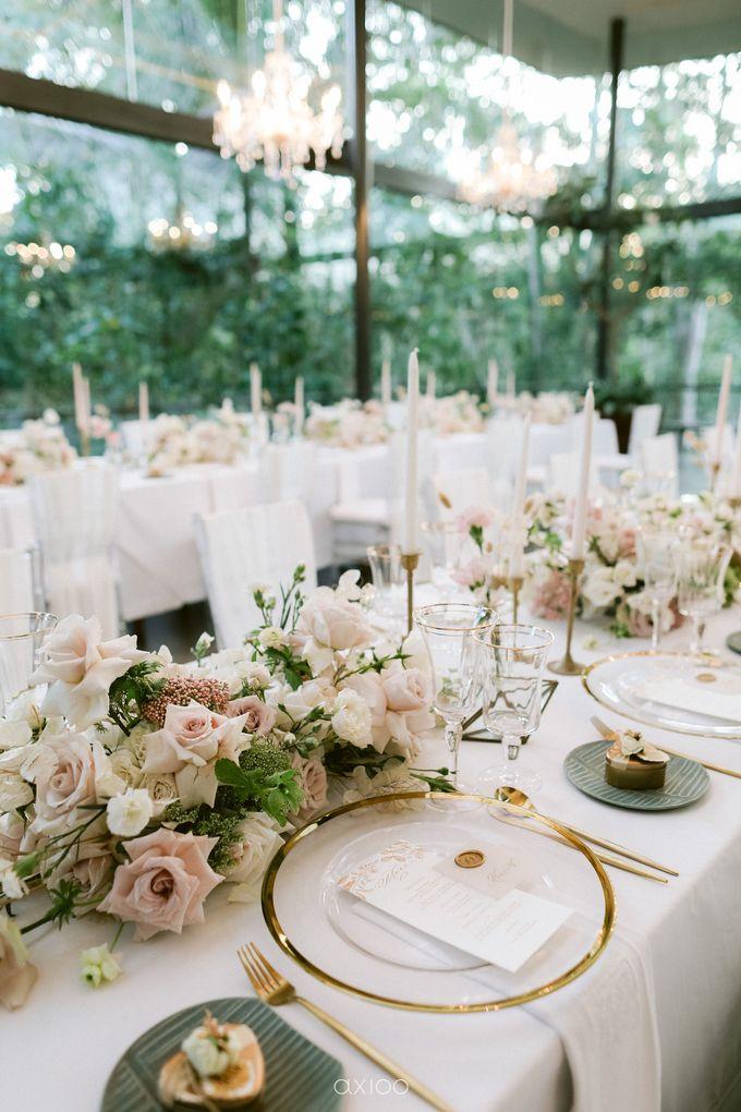 Elegant Peach Nude Wedding at Tirtha Glasshouse by Silverdust Decoration - 026