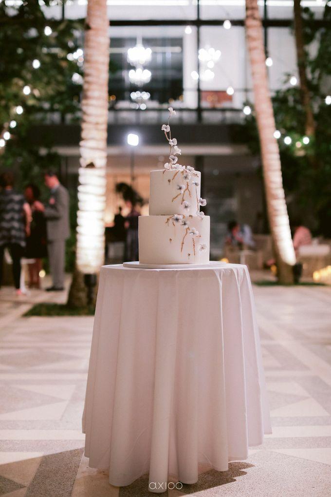 Elegant Peach Nude Wedding at Tirtha Glasshouse by Silverdust Decoration - 050