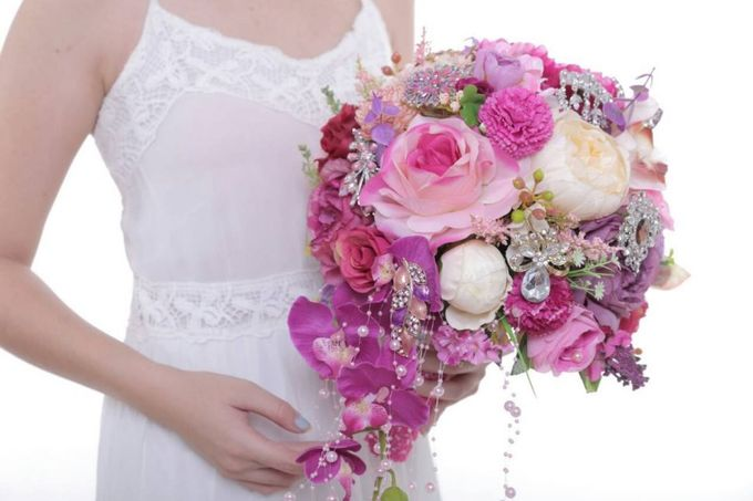 ENCHANTED WEDDING BOUQUET by LUX floral design - 024
