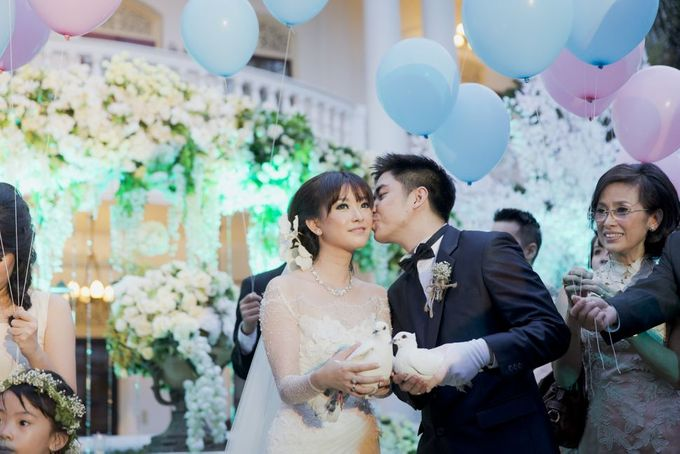 Garden Wedding of Ricky & Inggrid by All Occasions Wedding Planner - 014