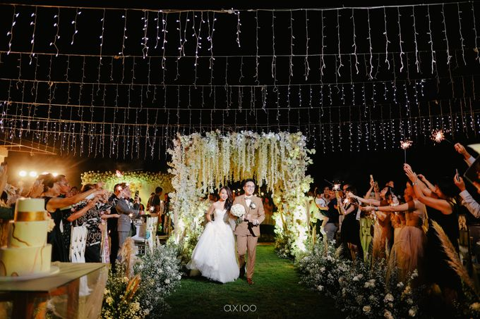 Wedding Karen & Ken by Bali Izatta Wedding Planner & Wedding Florist Decorator - 013