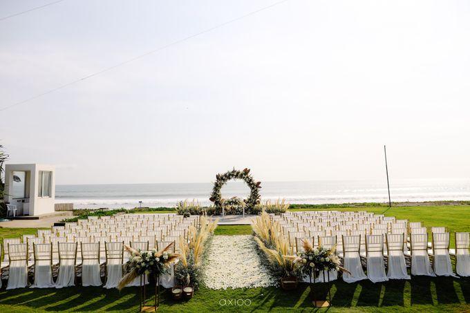 Playful Elegant Beach-front Wedding in Bali by Silverdust Decoration - 009