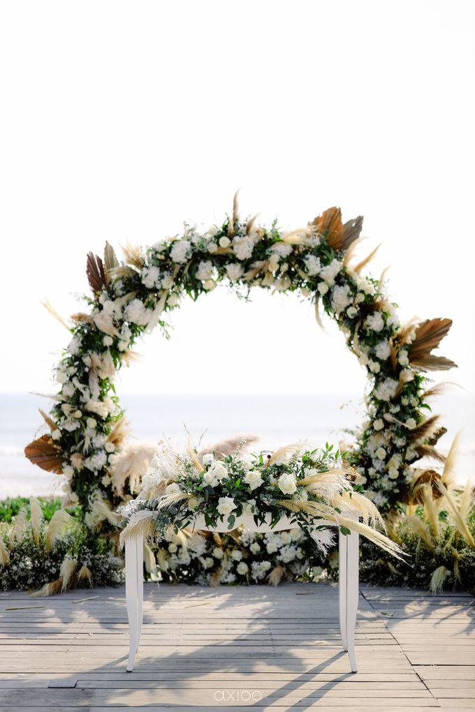 Playful Elegant Beach-front Wedding in Bali by Silverdust Decoration - 012