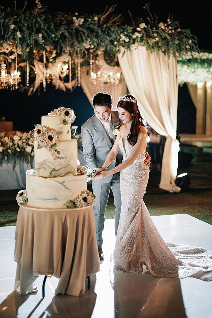 Villa Phalosa - Serene Dusty Blue Wedding by Flora Botanica Designs - 037