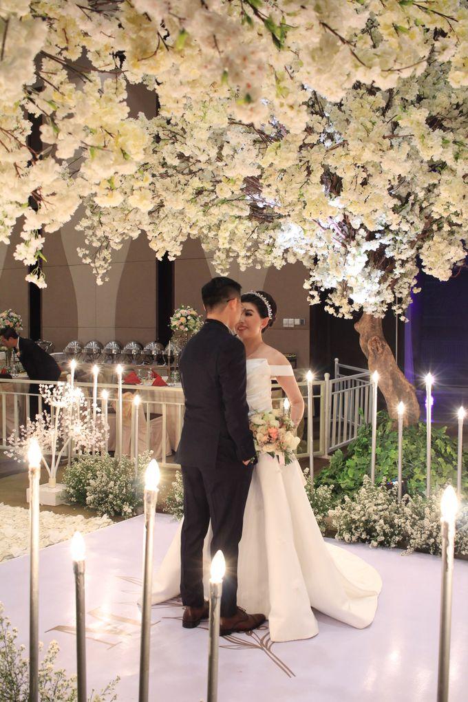 MC Wedding Santika Premier Hayam Wuruk - Anthony Stevven by ENST Couture - 002