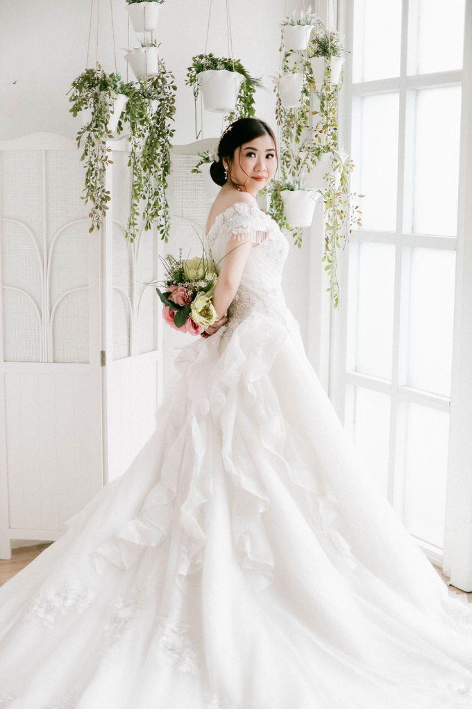 Prewedding Photoshoot of Felik & Shella by Favor Brides - 019