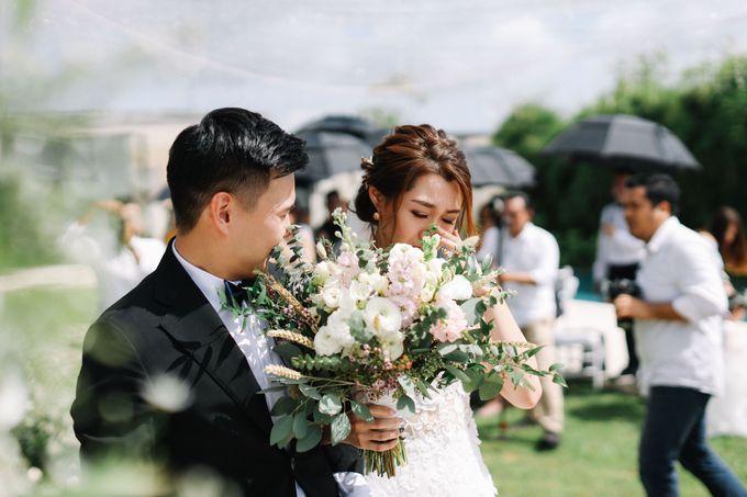 Intimate Natural Greenery Wedding at Alila Uluwatu Villa by Silverdust Decoration - 019