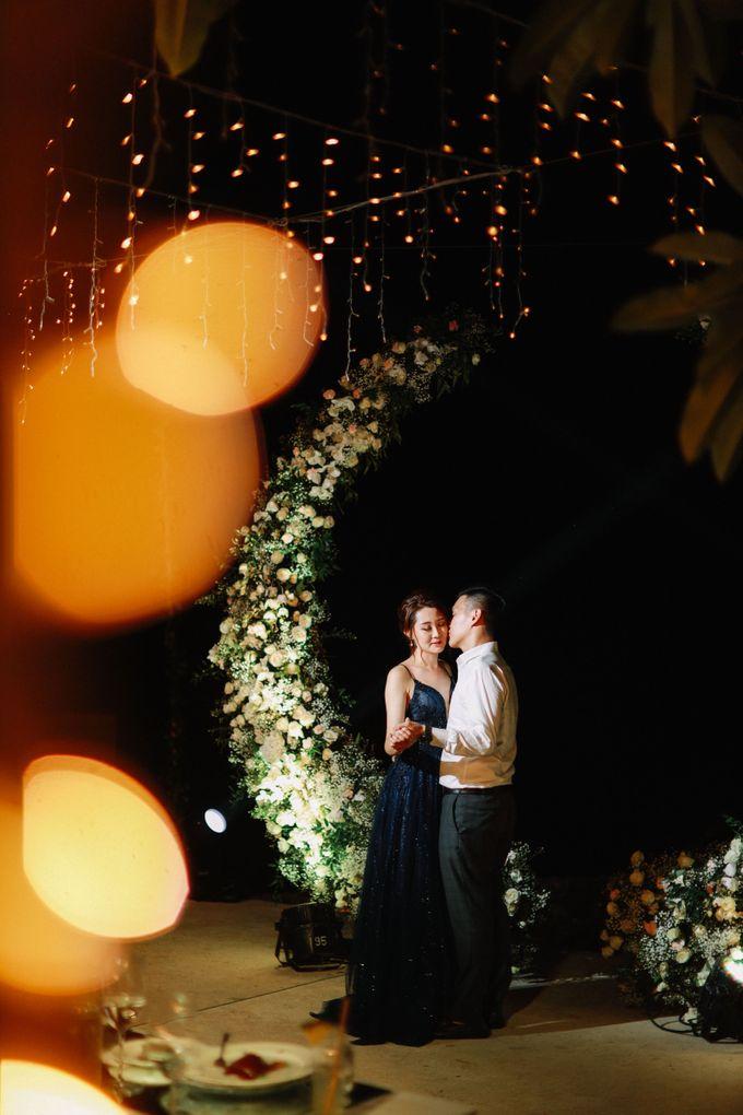 Intimate Natural Greenery Wedding at Alila Uluwatu Villa by Silverdust Decoration - 032