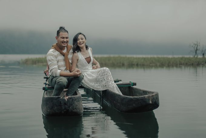 PRE - WEDDING EDWIN & YOMEDIKA BY RIO YAPARI by All Seasons Photo - 011