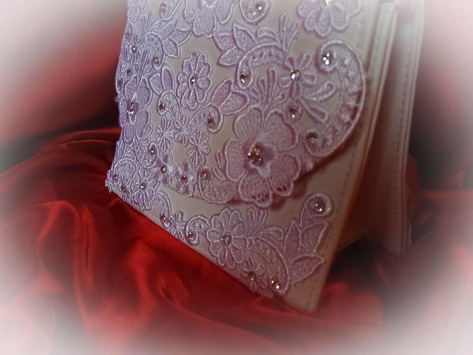 BRIDAL CLUTCHES by Pamela Falli - 034