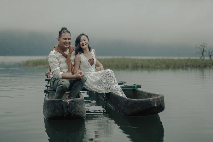 PRE - WEDDING EDWIN & YOMEDIKA BY RIO YAPARI by All Seasons Photo - 004