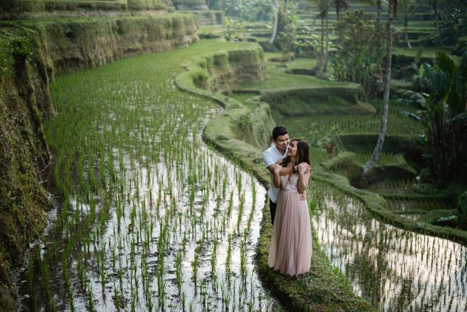 Engagement of Alex & Apryl by Adi Sumerta Photography - 002