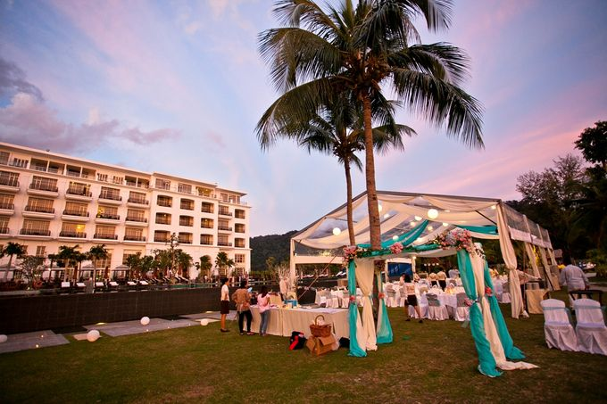 Add To Board Romantic Beach Wedding Of Howard Seok Poh By The Danna Langkawi