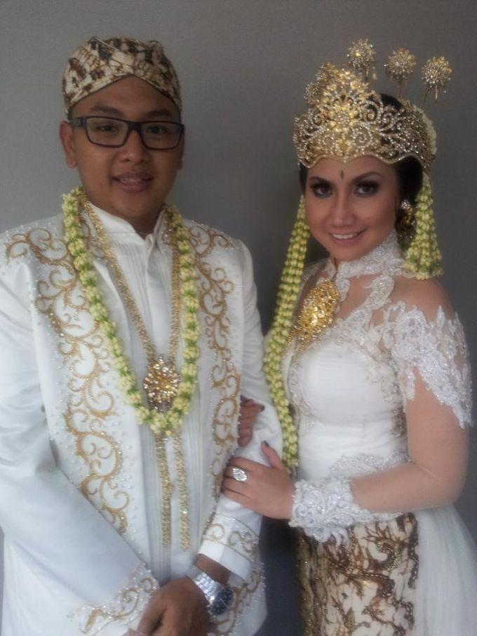 Pengantin Adat Sunda by D&D Professional Make Up Artist & Kebaya By Dindin Nurdiansyah - 001