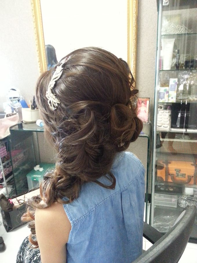 Sweet seventeen Make Up & Hair Do by Nikita Anggoro - 003