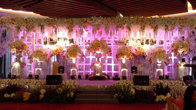 Ballroom decoration by atria hotel malang bridestory add to board ballroom decoration by atria hotel malang 003 junglespirit Gallery