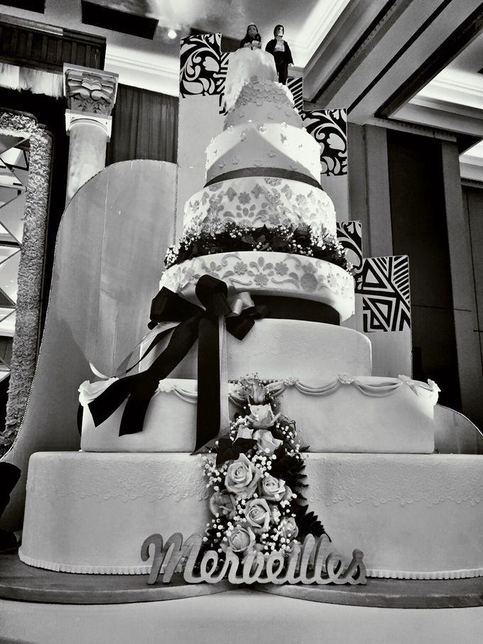 Wedding cake by Patisserie des Merveilles by Patisserie des Merveilles - 002