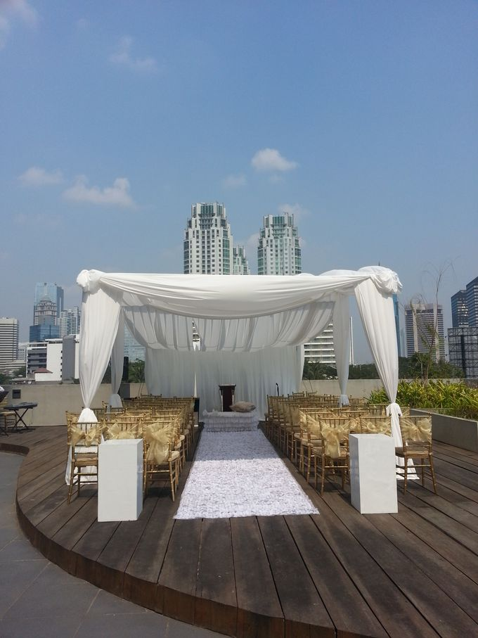 Weddings at our Rooftop Rool by Royal Kuningan Jakarta - 002