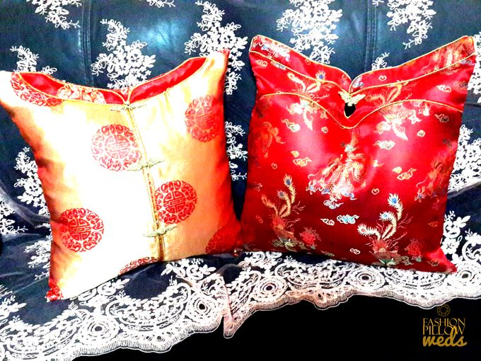Cheongsam Wedding Pillow for Sangjit by Fashion Pillow Weds - 005