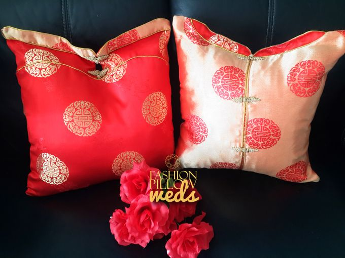 Cheongsam Wedding Pillow for Sangjit by Fashion Pillow Weds - 009