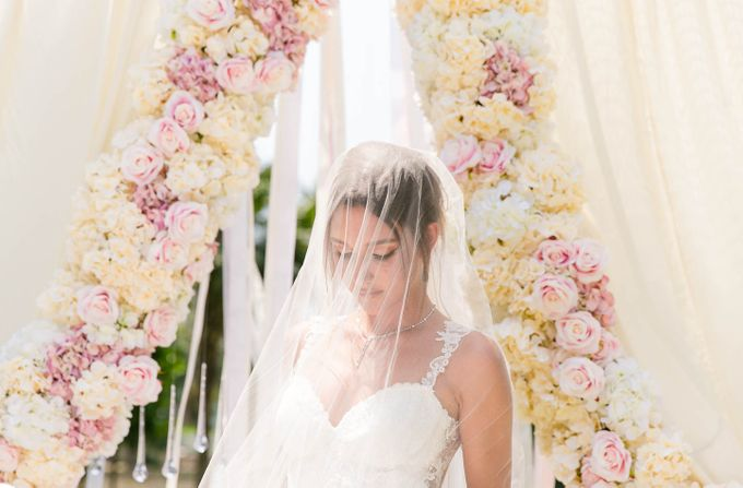 Luxurious floral wedding by Winifred Kristé Cake - 003